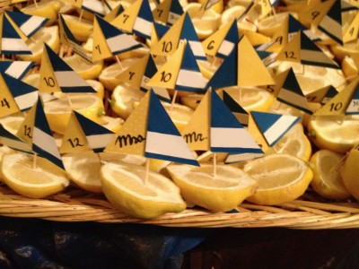 [WEDDING] BLUE AND YELLOW NAME BOATS
