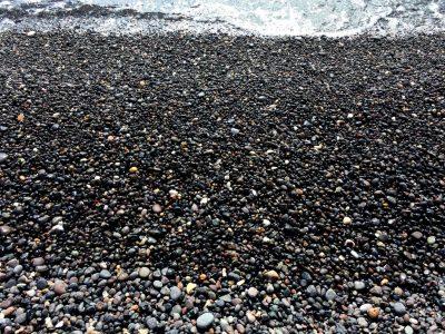 KAMARI BLACK SAND